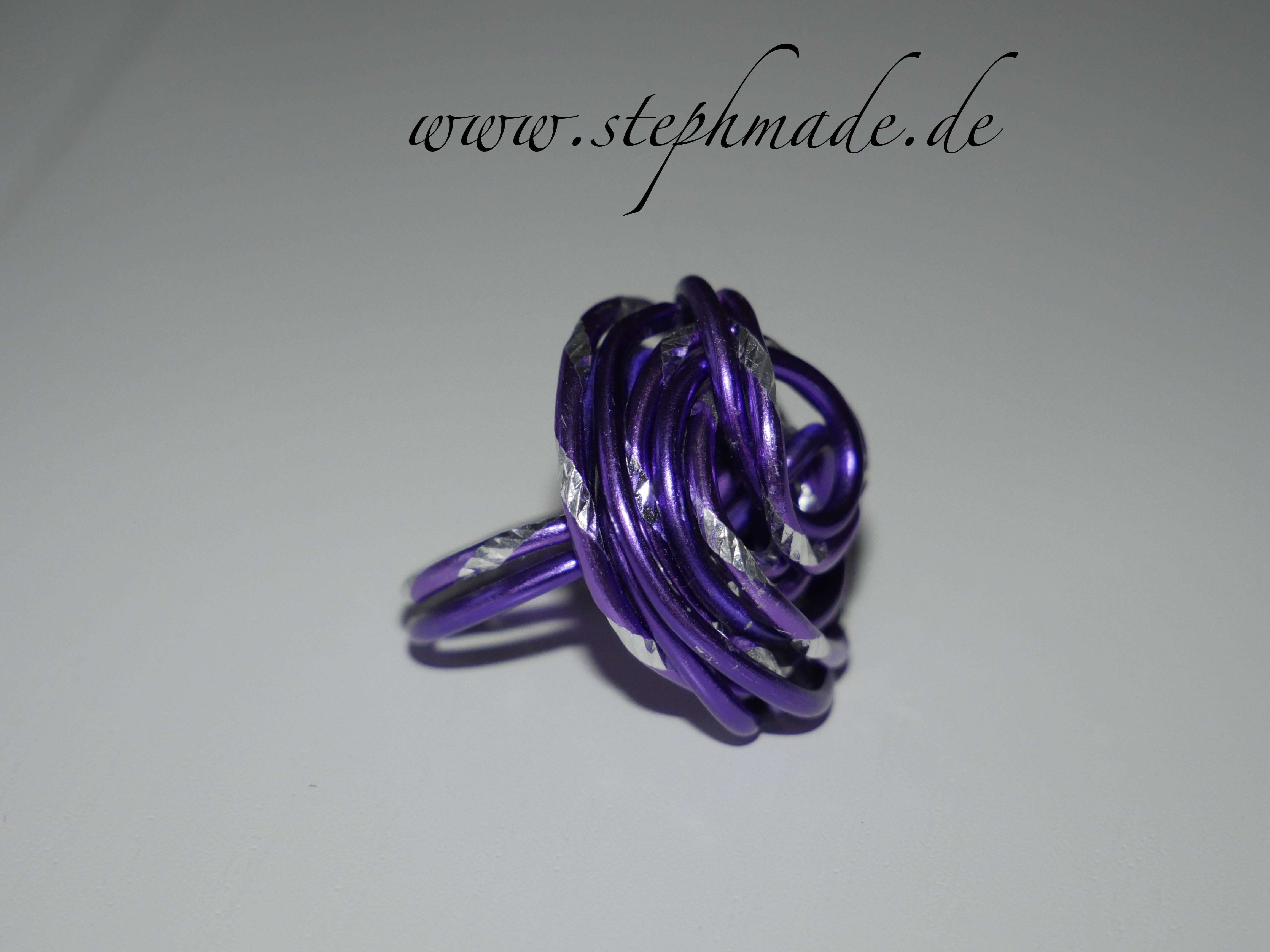 lila Ringe